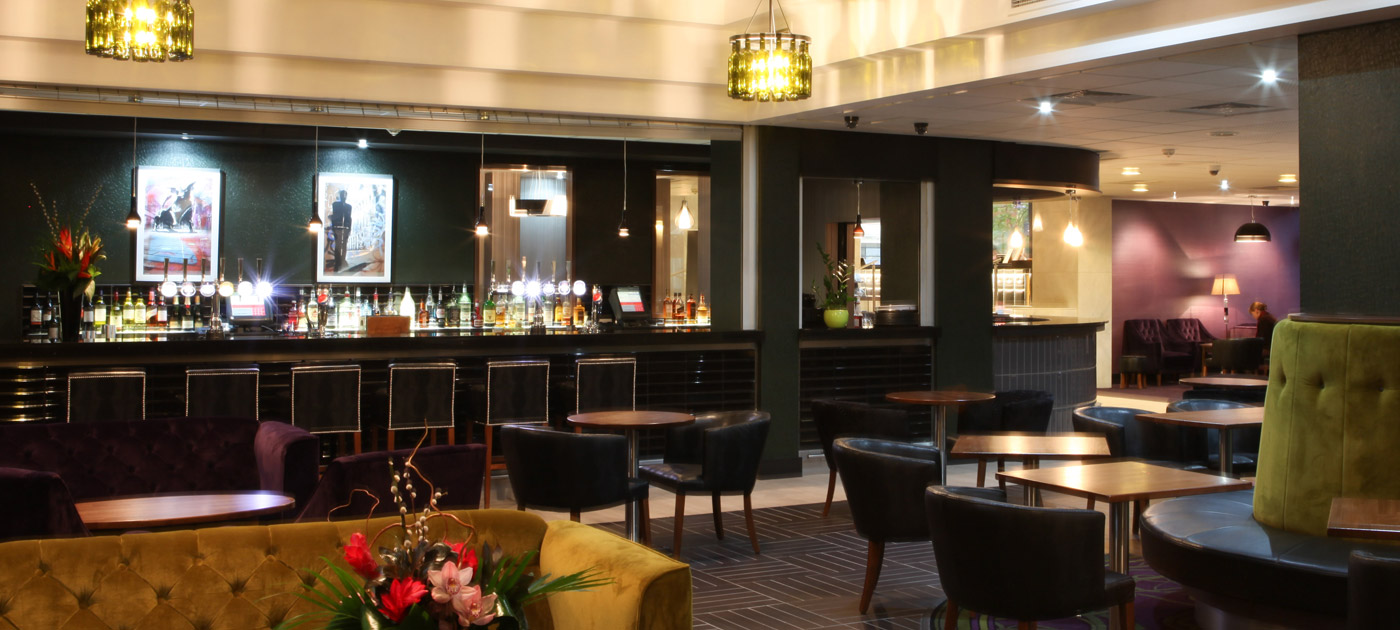 Bar restaurant birmingham jurys inn hotels for Food bar bham