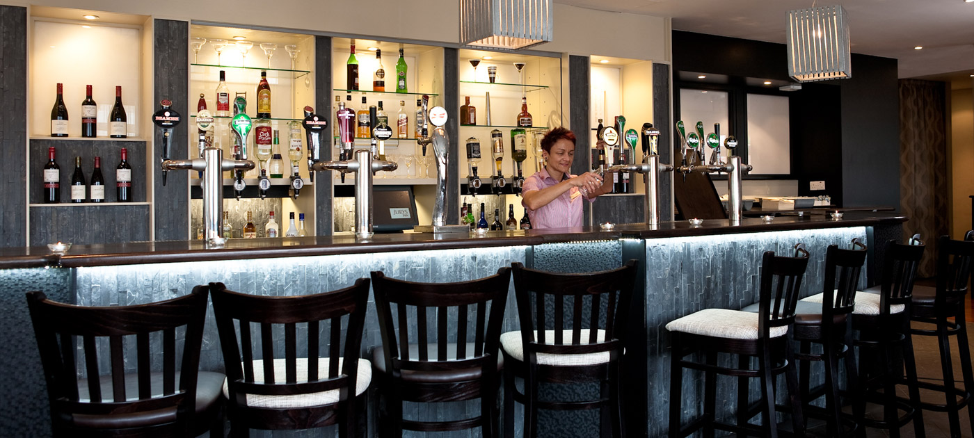 bar & restaurant cork | jurys inn hotels ireland